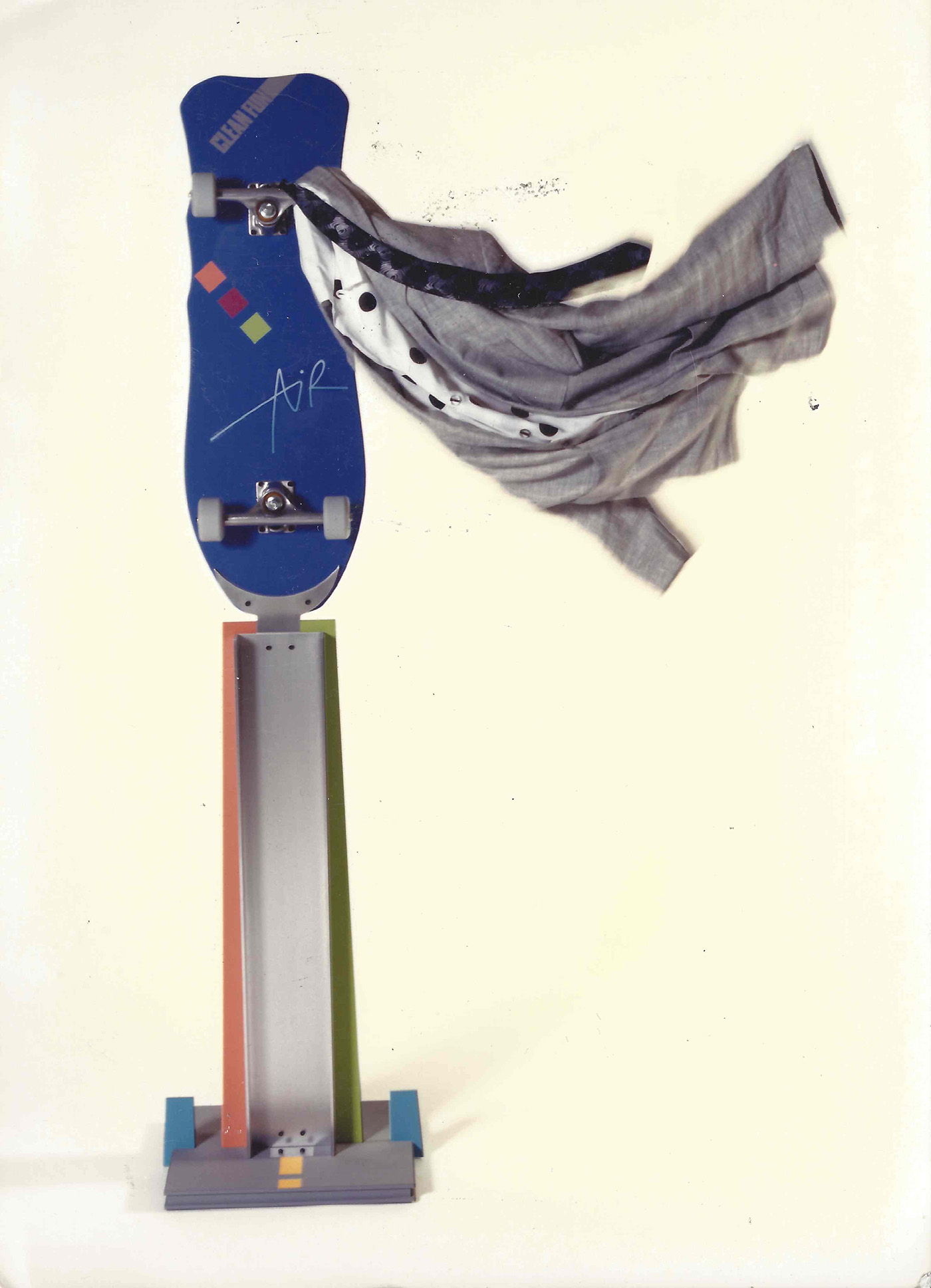 William Eric : Skateboard clothes trees, 1998.